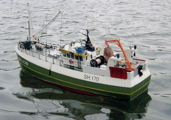 Maggie M. - fiskekutter i skala 1/32
